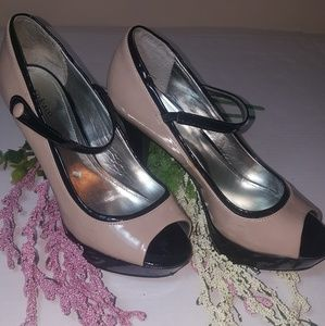 🍒5for$10 Style&Co nude and black heels. Size 6.5